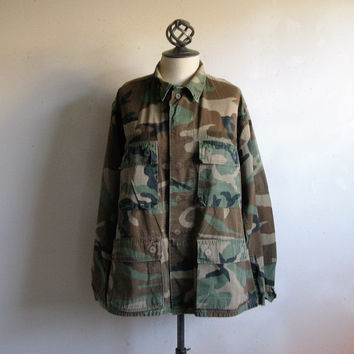 Vintage 80s Mens Military Jacket Distressed Authentic Army Green Grunge Outdoors Light Combat Camouflage Cotton Jacket R41