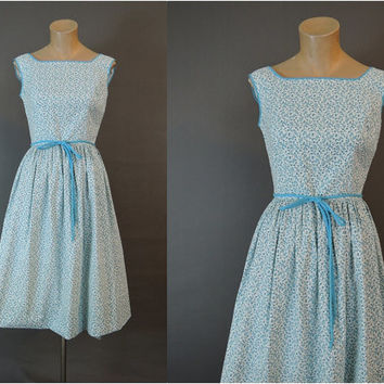 1950s Blue Floral Wrap Dress, fits 34 inch bust, Vintage 50s Day Dress with Full Skirt