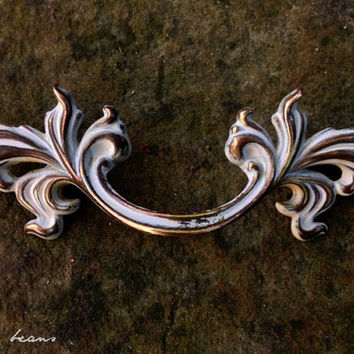 French Provincial Pull in Antiqued Gold & White / Vintage Classic Design / Decorative Pulls Hardware for Furniture