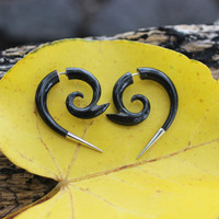 Fake gauge earrings, Organic ,Black ,Horn ,Split ,Gauge Earrings & sliver , Tribal style,hand carved,naturally,fake piercing