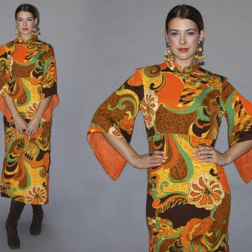 Vintage 70s ANGEL SLEEVE Dress / Hawaiian Groovy Midi Dress / Side Slits / Bold Orange Brown Tropical Print / Mandarin Collar / Small
