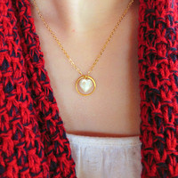 Pearl Necklace - Simple Gold Necklace - Gold Circle - Minimalist Necklace - Dainty Gold Jewelry