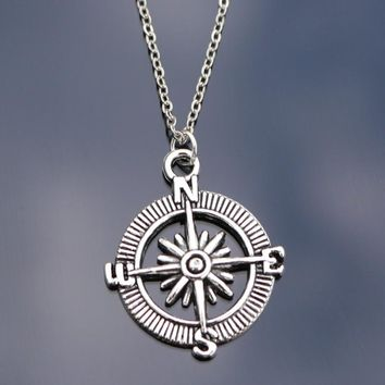 N809 Compass Pendant Necklaces For Women Men Fashion Jewelry Chain Retro Collares Bijoux Clavicle Necklace One Direction