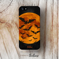 Bats flying across the moon halloween, Mobile accesories, 3D-sublimated, iPhone 4, iPhone 4S, iPhone 5 case.