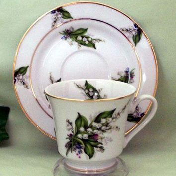 Catherine Hand Decorated Tea Cups (Teacups) and Saucers Set of 2 30 Patterns
