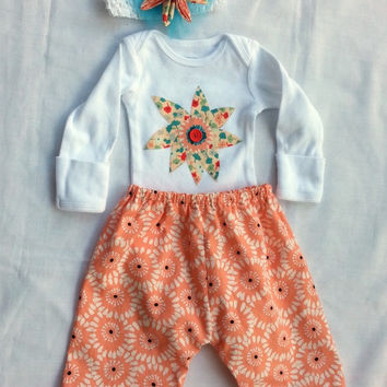 Newborn girl 3 piece set - baby girl flower outfit - newborn bodysuit set - baby girl top pants headband - baby shower girl - baby gift girl