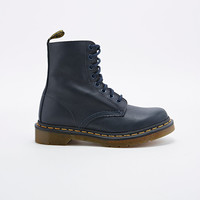 Dr. Martens Pascal 8-Eyelet Boots in Navy - Urban Outfitters