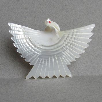 Carved Mother-of-Pearl Shell Vintage PEACE DOVE Pin