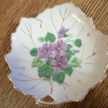 Porcelain Plate Vintage Home Decor Leaf with Purple Violet Flowers Hand Painted Gold Gilt Mint Tray Soap Dish Made in Japan