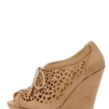 Speed Limit 98 Fender Light Taupe Cutout Lace-Up Platform Wedges