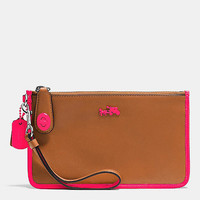 C.O.A.C.H. TURNLOCK WRISTLET 21 IN CALF LEATHER