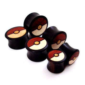 "Tri-Color Wood Inlay in Ebony Wooden Plugs - 00g (10mm) 7/16"" (11mm) 1/2"" (13mm) 9/16"" (14mm) 5/8"" (16mm) 3/4"" 19mm 7/8"" 22mm 1"" 25.5mm"