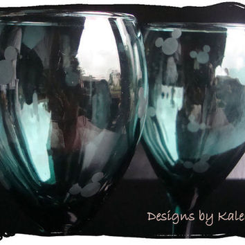 Mickey Mouse Green Etched Wine Glasses Goblet Handmade Icon Heads OOAK