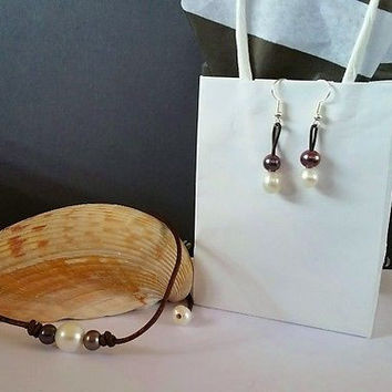 Seasidepearls30A Original Freshwater Pearls Peacock and white on Organic Leather and Earring gift set!