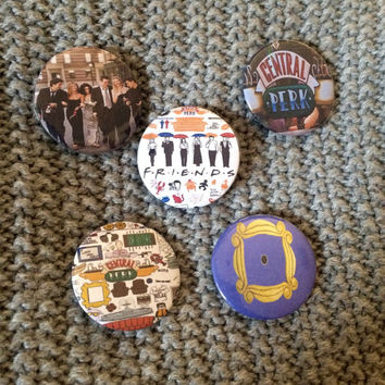 FRIENDS TV SHOW Set Of Five Buttons Throwback 90's Retro Classic Comedy Sitcom Collectible Memorabilia Joey Ross Phoebe Monica Chandler