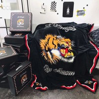 Gucci Tiger head Pattern Warm Flannel Blanket