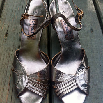 Vintage Amalfi Metallic Sandals // Heels // Low by HawkShopVintage