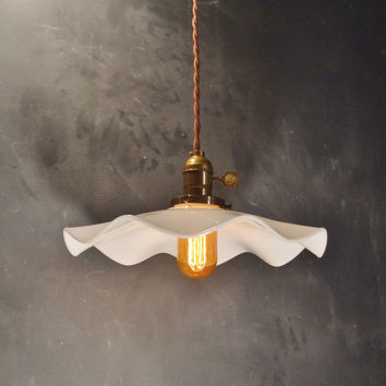 Subway Breeze Pendant Lamp - Vintage Industrial Hanging Light with Ruffled Scalloped Shade