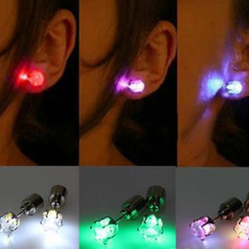 2016 One Pair Light Up Led Stainless Steel Earrings Studs for Xmas New Year Men Women Sale For Party Dance Jewelry Accessories