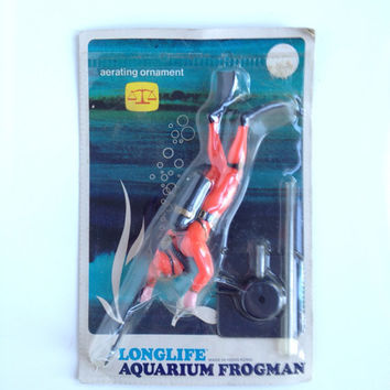 Vintage Aquarium Decoration Frogman Aerating Ornament