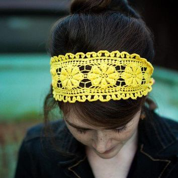 $18.00 Bright honey headband Garlands of Grace by GarlandsOfGrace