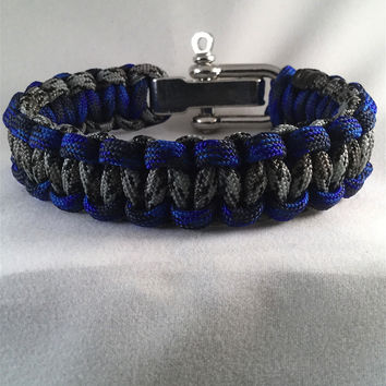 Thin Blue Line Cobra Paracord Bracelet with adjustable steel shackle closure
