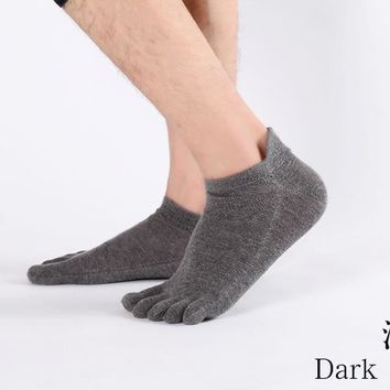 5 pair Men Solid color Bare Feet Exercise Fitness Non-Slip 5 Toes Yoga Socks Pilates Free shipping