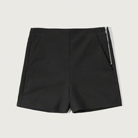 STRUCTURED SIDE ZIP SHORTS