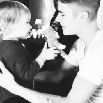 • justin bieber my photosets bro editions oh gosh jaxon bieber cuteeee LITTLE SWAG WE LOVE U JAXON justin-licious •