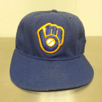 Vintage 90's Milwauke Brewers New Era Fitted Hat MLB Baseball Minimal Throwback Style Size 7 1/4 Pro Model
