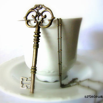 Skeleton Key necklace Antique Key necklace Bronze Vintage Inspired  Antique Key