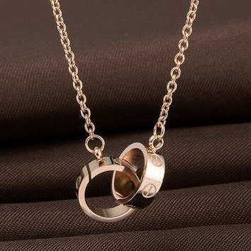 Screw with double ring pendant necklace of rose gold necklace