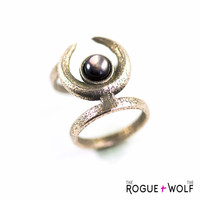 SPRING SALE -- Occult midi ring - A midi ring with the Sun and Moon hiding from each other. A Black Lip Pearl gemstone captures the last lig