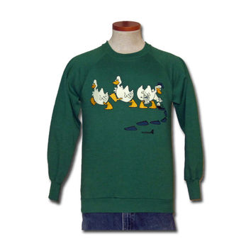 Vintage Funny 1985 DUCKS ANIMAL GRAPHIC Green Men Women Small Retro 50/50 Crewneck Sweatshirt