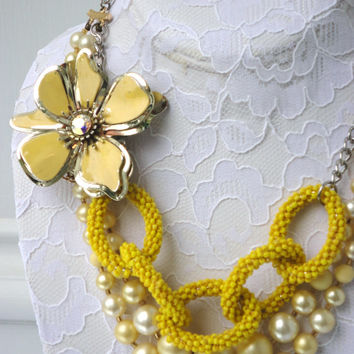 vintage upcycled repurposed faux pearl brooch enamel OOAK beaded chain pearl cream yellow graduated flower borealis floral bridal necklace