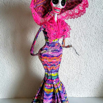 Day of the Dead Catrina doll, Sugar skull decoration, Dia de muertos, Mexican Sugar skull, calaverita papel mache, La catrina Frida Kahlo