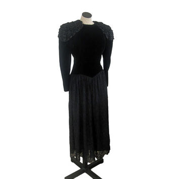 Black Velvet and Lace Vintage Jessica McClintock Party Dress with Statement Shoulder Ruffles, rocker, 80s prom, black tie