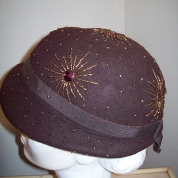 Vintage 30s 40s Amazing Starburst Beaded Cloche Hat / Gertz Long Island / Pin Up USO Rockabilly Girl