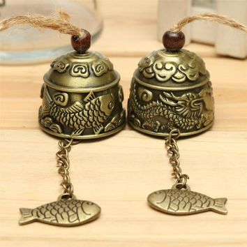 Metal Small Wind Chimes Cool Vintage Fish Pattern Car Door Bed Hanging Bell Pendant Home Garden Chinese Style Decoration