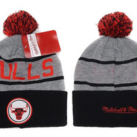 Mitchell & Ness Chicago Bulls Pom Knit Beanie Grey/Black [SOLD OUT]