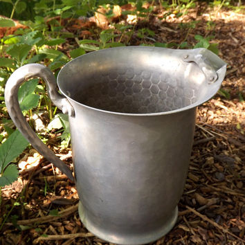 Metal Hammered Pitcher, Hand Forged Silver Aluminum Large Serving Pitcher by Everlast, Vintage Mid Century Modern