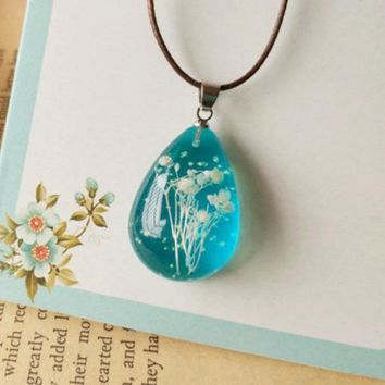 Original Handmade Natural Gypsophila Dried Flowers Noctiluc Necklaces & Pendants For Women Fashion Blue Transparen Jewelry