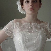 Our Vintage Wedding Directory - dresses & gowns - Vintage wedding gowns - how you can wear antique