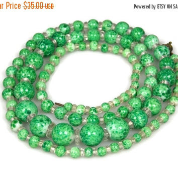 Holiday Sale Art Deco Graduated Green Peking Glass Necklace
