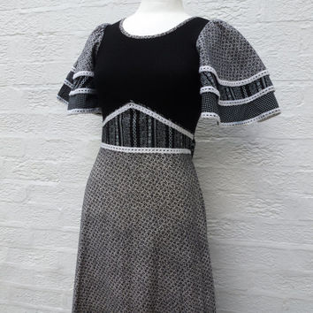 Maxi long dress black white angel sleeve women's clothing UK 10 cotton country dress Summer maxi dress Vintage 1970s prairie folk dress.