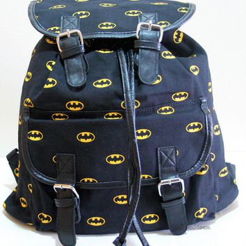 Licensed cool DC  BATMAN BAT MAN DARK KNIGHT LOGO Slouch Buckle Book Bag Backpack NEW