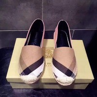 : Burberry :Canvas shoes
