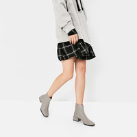 SQUARE HEEL ANKLE BOOTS DETAILS