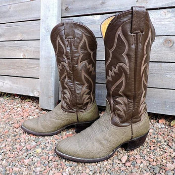 Vintage 70s Nocona boots / mens 6.5 D / womens 8 / white label / bull hide leather /  crafted Nocona Texas USA