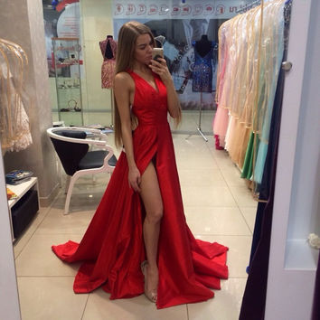 Hot Sale Sexy 2016 Prom Dresses A Line V Neck High Slit Court Train Taffeta Pleat Red  Evening Party Dress Simple Gown C190